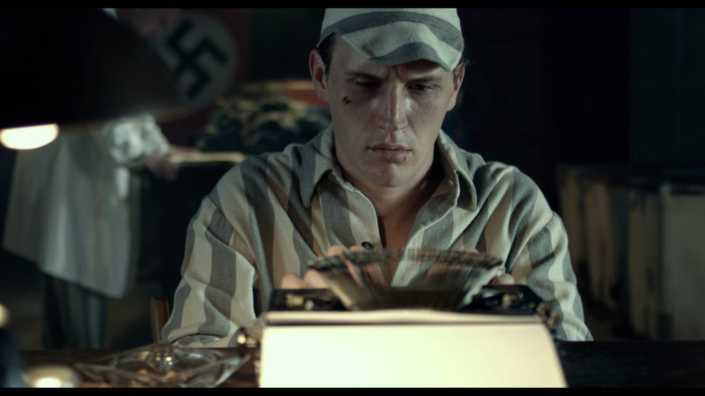 Hans-typing-prison